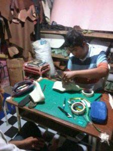 Kursus Membuat Sepatu Kulit Pria